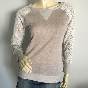 Philosophy crewneck long sleeve with lace